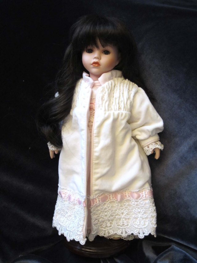doll wardrobe robe