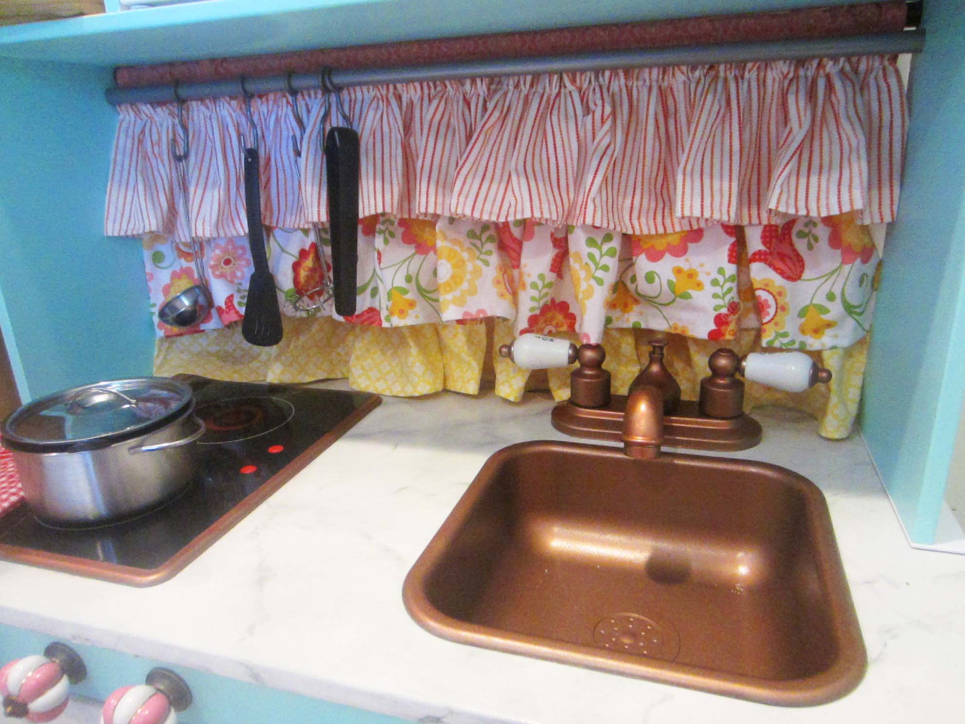 The Play Kitchen Or How I Learned To Hate Spray Paint It S All Frosting