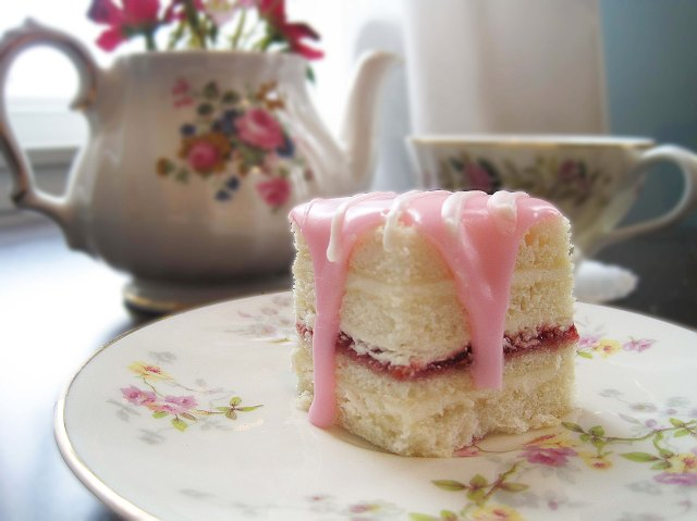 teaparty petit four