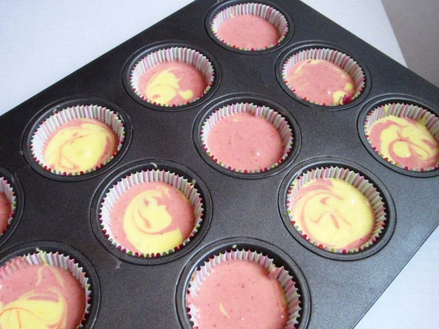 dahlia cupcakes batter