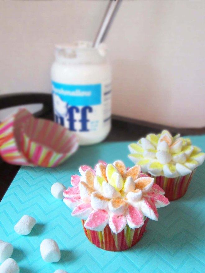 dahlia cupcakes