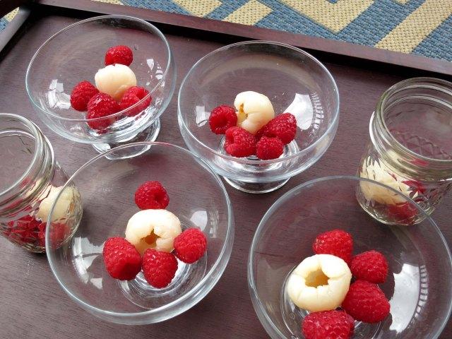 ispahan panna cotta fruit
