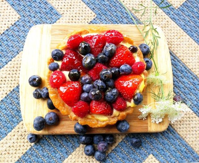 fruit tart overhead