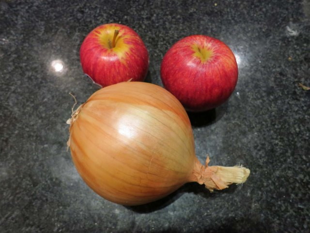 RD apples n onions ingred