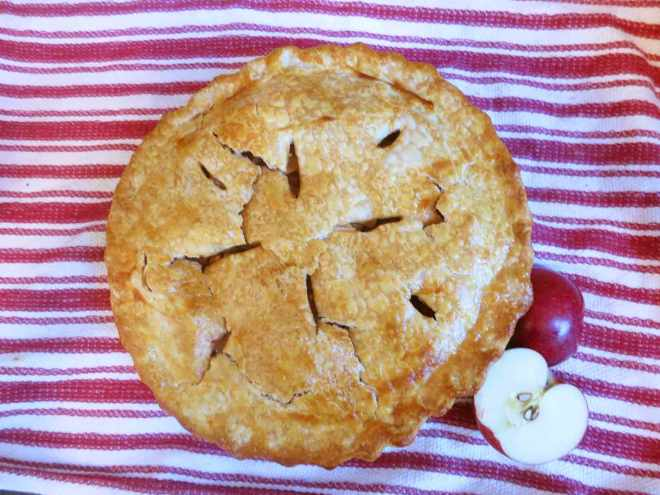miso-apple-pie-pretty