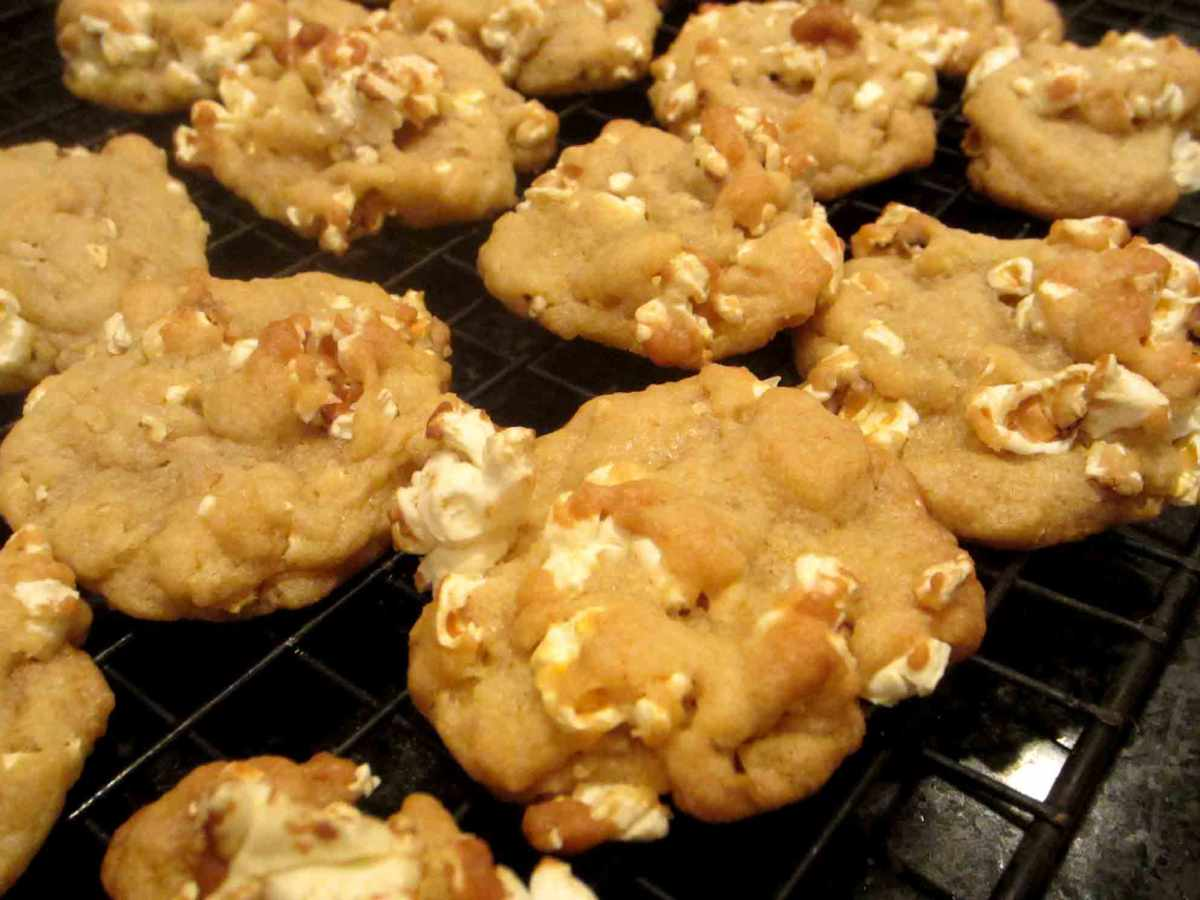 Buttered Popcorn Cookies | It's All Frosting...