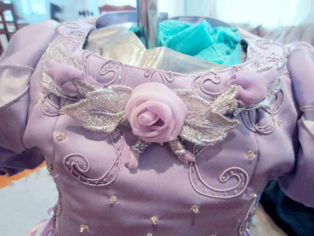 birthday-princess-neck.jpg