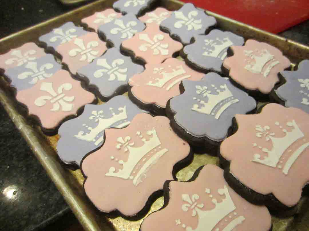 crown-cookies-done