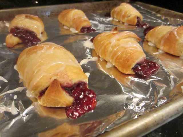 raspberry-rolls-done
