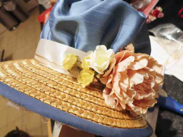regency-bonnet-floral