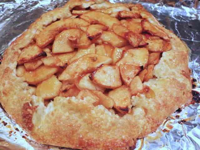 apple-galette-baked