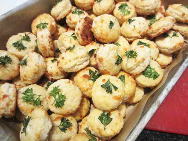 parsley-biscuits-tray