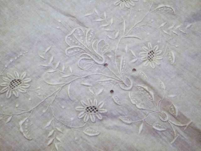1920s-white-fabric