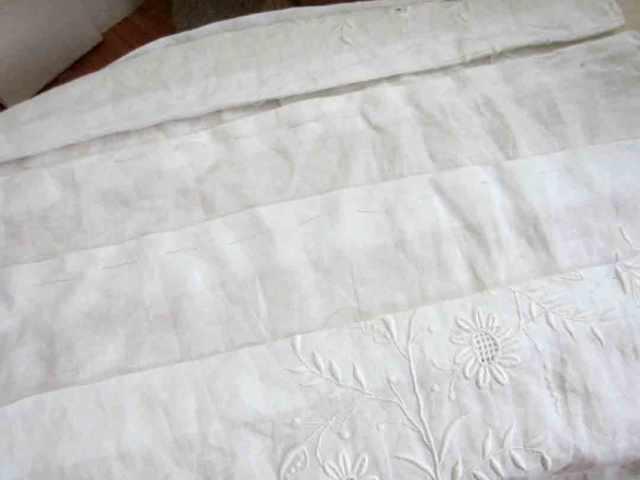 1920s-white-pleats