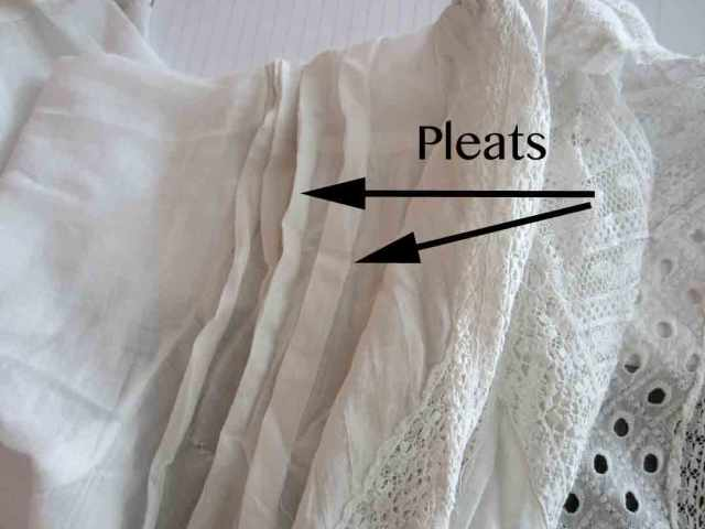 edwardian-alter-pleats
