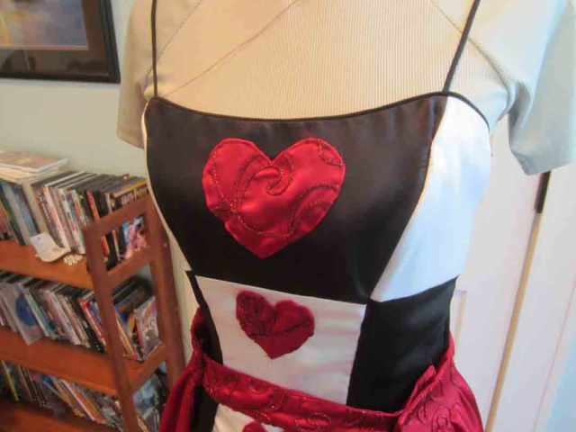 q-of-hearts-applique