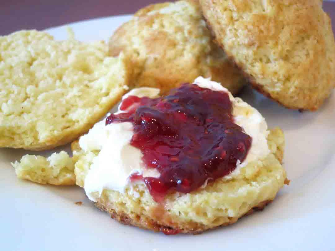scones-with-jam