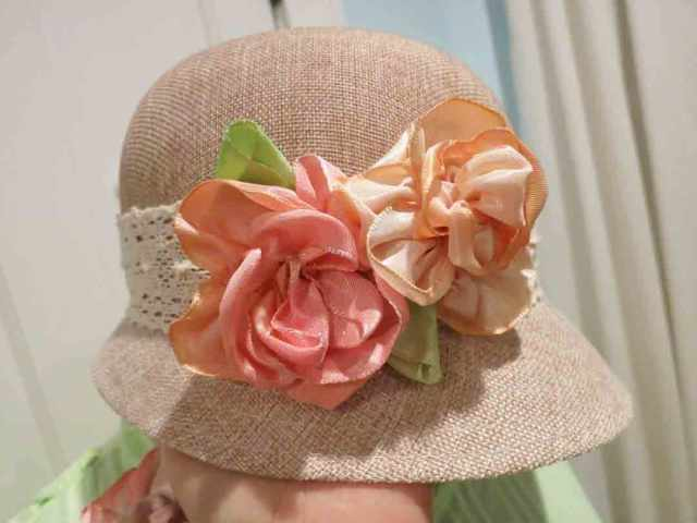 ribbon-flowers-cloche