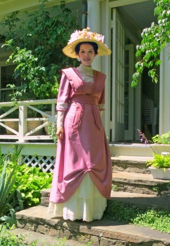 1910-rose-dress.jpg