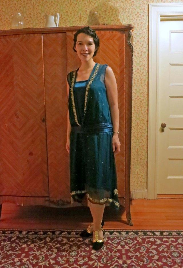 green sari 1920s dress