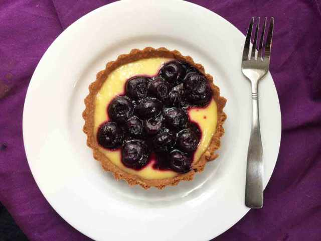 blueberry-tart-round