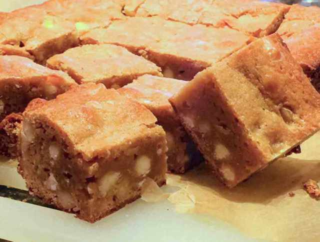 miso-blondies-cut