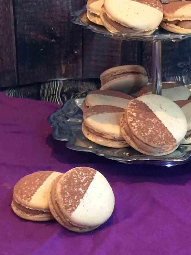 mocha-macarons